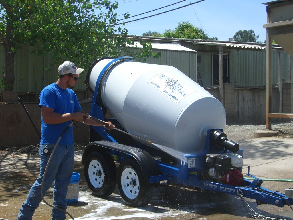 Keeping Mixing Trailers Clean Portable Concrete Mixer